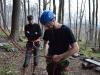 Filip sa učí naväzovať na lano